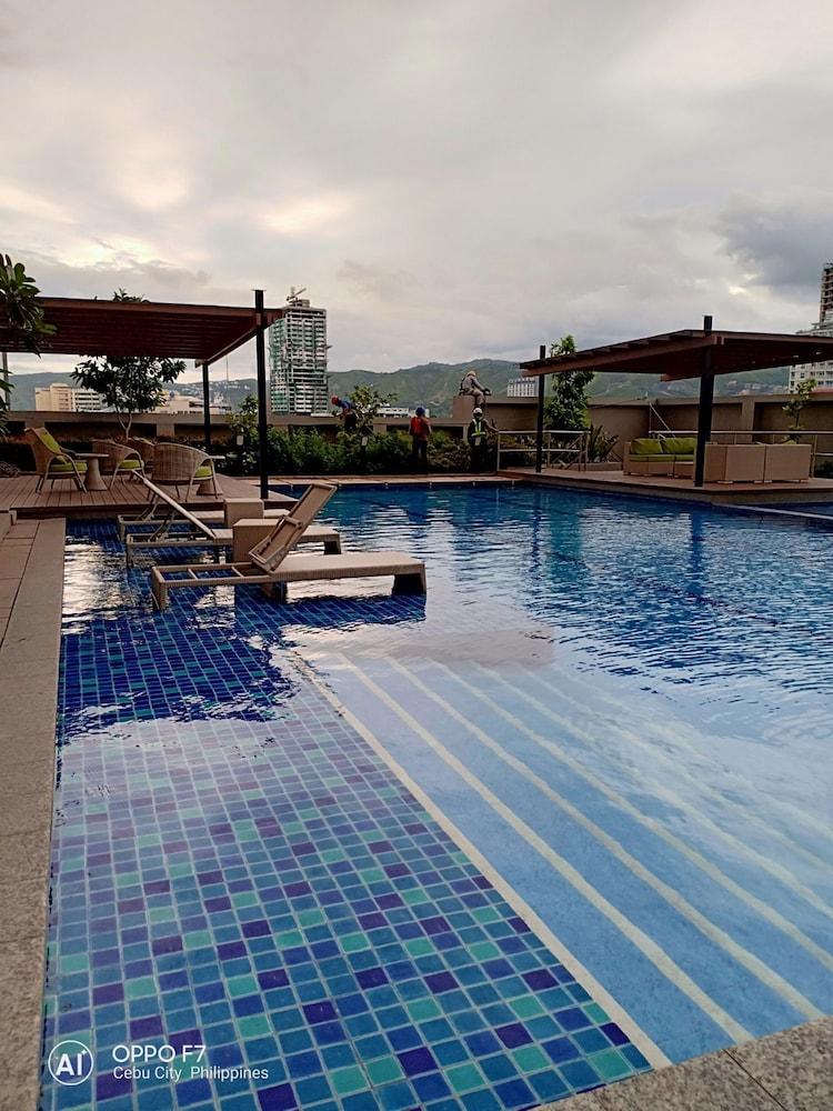 Coleen's Bedsit at Horizons 101 Cebu, PHL - Best Price Guarantee