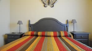3 bedrooms, free cribs/infant beds, bed sheets