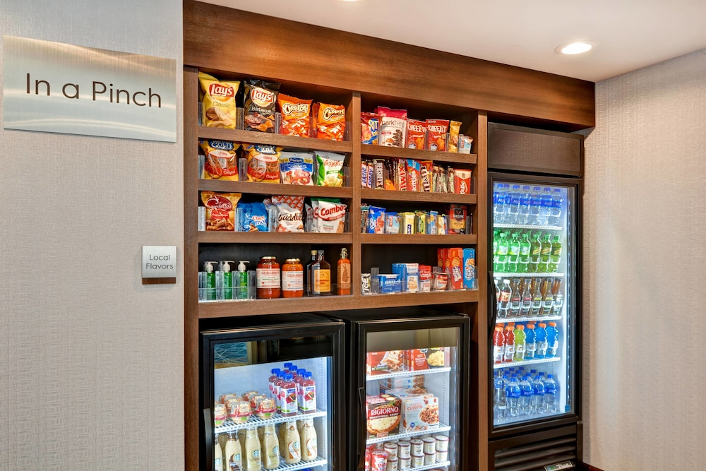 Snack Bar, TownePlace Suites by Marriott Bridgewater Branchburg