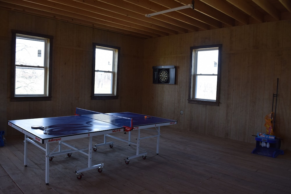 Fitness Facility, Amish Country Farm House In Volant Pennsylvania