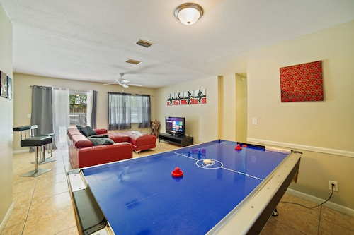 3 BR Pool Home in Tampa by Tom Well IG - 11115