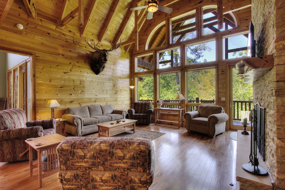 Featured Image, Birds Creek Mansion 650 - Six Bedroom Cabin