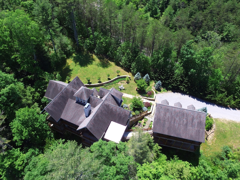 Aerial View, Birds Creek Mansion 650 - Six Bedroom Cabin