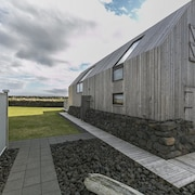 Barn House by the Shore in South Iceland - With hot tub