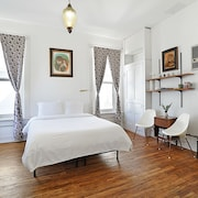 Historic 1800s Judge's Mansion Mid-century Modern Suite #7