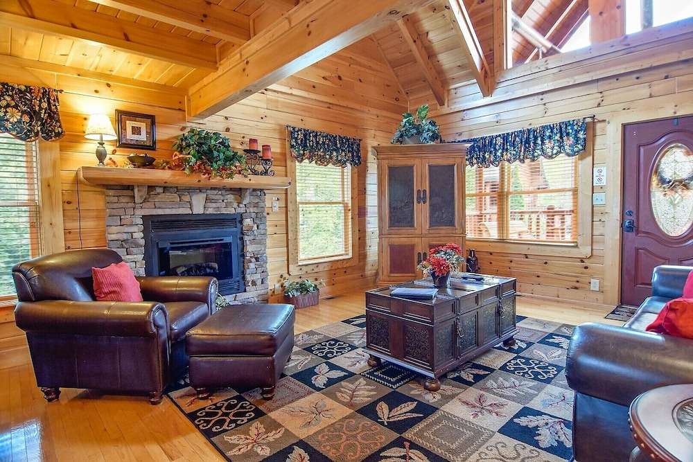 Beautiful Smoky Mountain Cabin! - Blackberry Lodge in