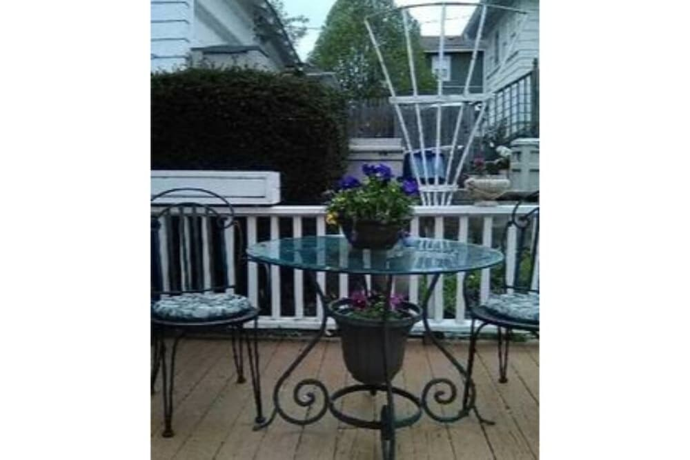 Balcony, New Listing! Charming Rustic/barn Carriage House Non-smoking