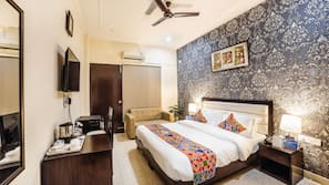 In-room safe, free WiFi, wheelchair access