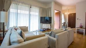6 間臥室、迷你吧贈品、窗簾、熨斗/熨衫板