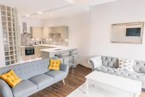 Stunning Shabby Chic Loft Apartment