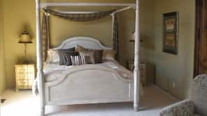 6 bedrooms, desk, iron/ironing board, free WiFi