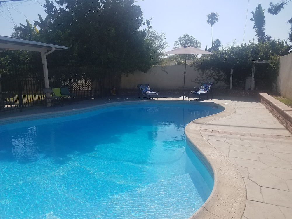 Pool, Great Family House, Near Lots Activity and fun to Keep you Occupied