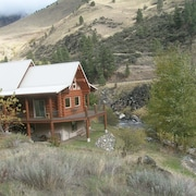 Log Cabin On Little Salmon, Fishing, Hiking, Atv Trails, 50 Minutes To Skiing