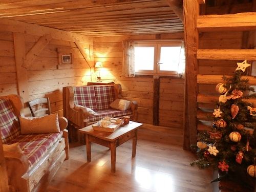 Independent Chalet in the Arèches Beaufort Resort. Charming and Warm
