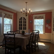 4 Bedroom Colonial In Lexington Neighborhood