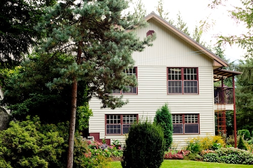 Harrison Hot Springs: South Garden Vacation Rental