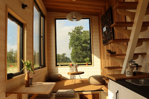 La Tiny du Parc: Unusual Accommodation in a Private Domain