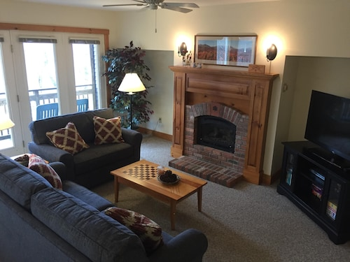 Beautiful Ski-in, Ski-out 2-br Village Condo at Jay Peak, Right on the Trail!
