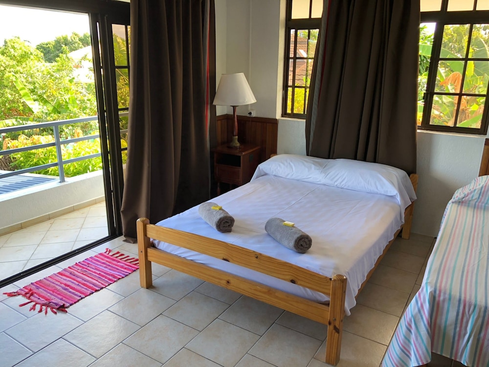 Room, Ahitea Lodge