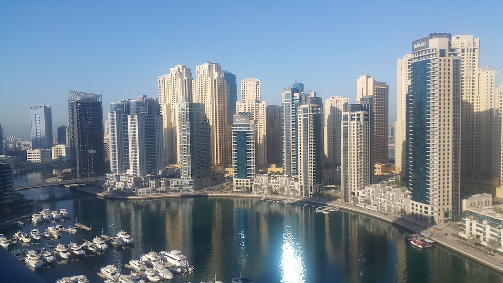 , Luxury Apartment In The Heart Of Dubai Marina, No.1 Best Tower Next To The Beach
