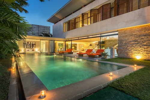 Modern Villa In Canggu Close To The Beach