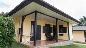 2 chambres, rideaux occultants, fer et planche à repasser sur demande