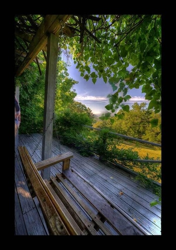 Mountain Top Cabin Near Beaver Lake Full Glass Front w/ Best Views in Eureka