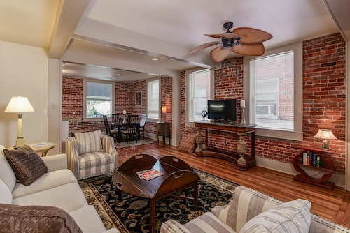 Downtown Hendersonville Loft With Private Balcony Overlooking Main Street