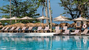 4 outdoor pools, open 8 AM to 8 PM, free pool cabanas, pool umbrellas