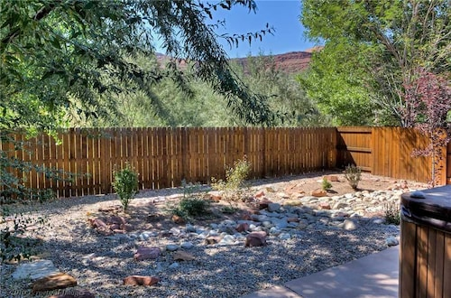 Great Place to stay Sunrise Terrace ~ 369 3 Bedrooms 2 Bathrooms Home near Moab