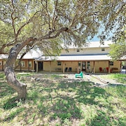Fabulous 6br Dripping Springs Ranch 6 Bedroom Home