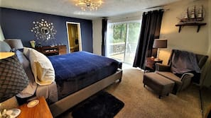 4 bedrooms, premium bedding, memory foam beds, individually decorated