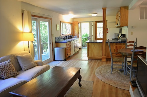 Large, Peaceful 1-bd Garden Apt in Gorgeous Central Marin, 30 Min From SF