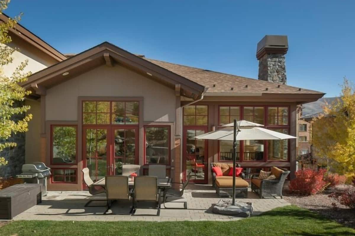 5-star Craftsman Style Home - Contemporary Decor, Open & Sunny Floor Plan  in Sun Valley, ID | Expedia