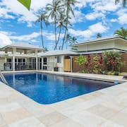 Hiatt Hale: Luxury Kailua Beachside Monthly Family Rental on a Quiet Beach Lane