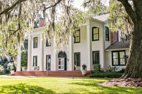 Great Place to stay Ball House and Cottages near Tallahassee