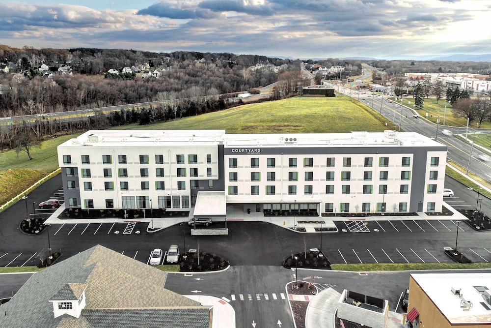 Exterior, Courtyard by Marriott Southington