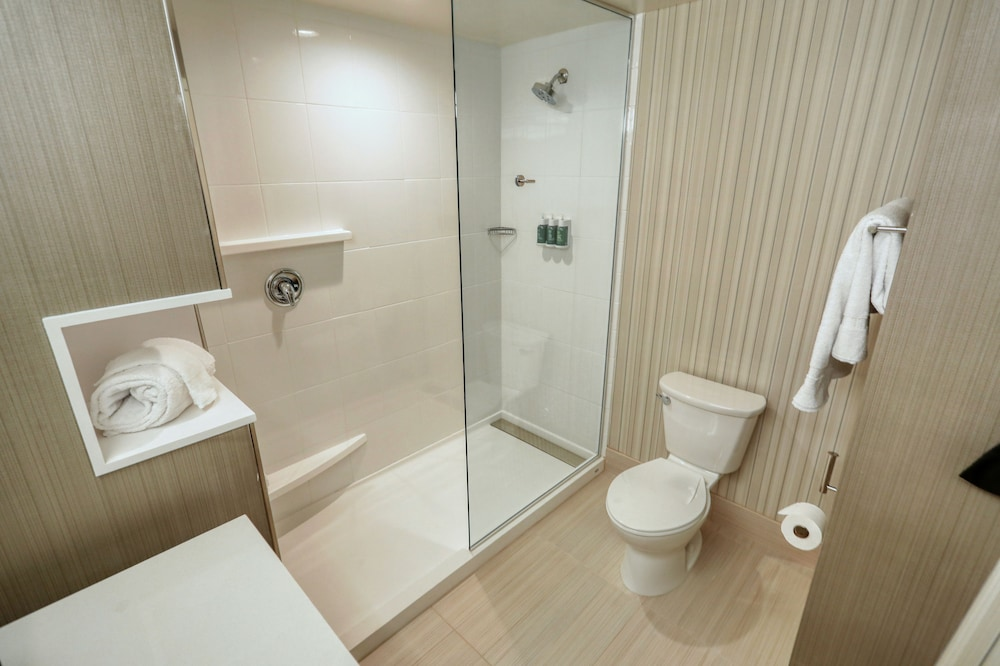 Bathroom, Courtyard by Marriott Southington