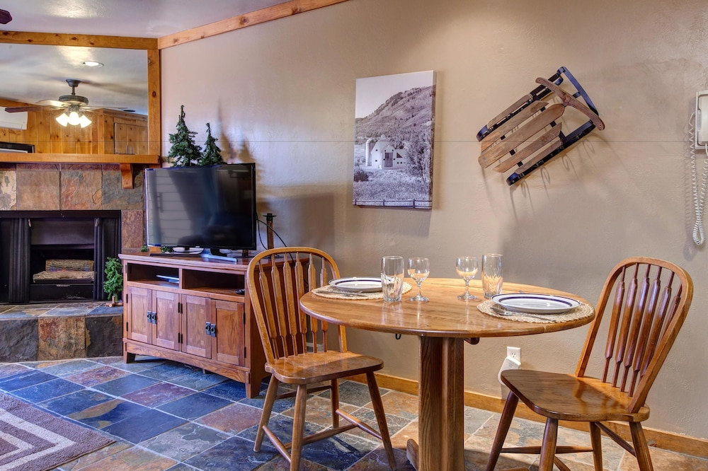 In-Room Dining, The Lodge at Mountain Village