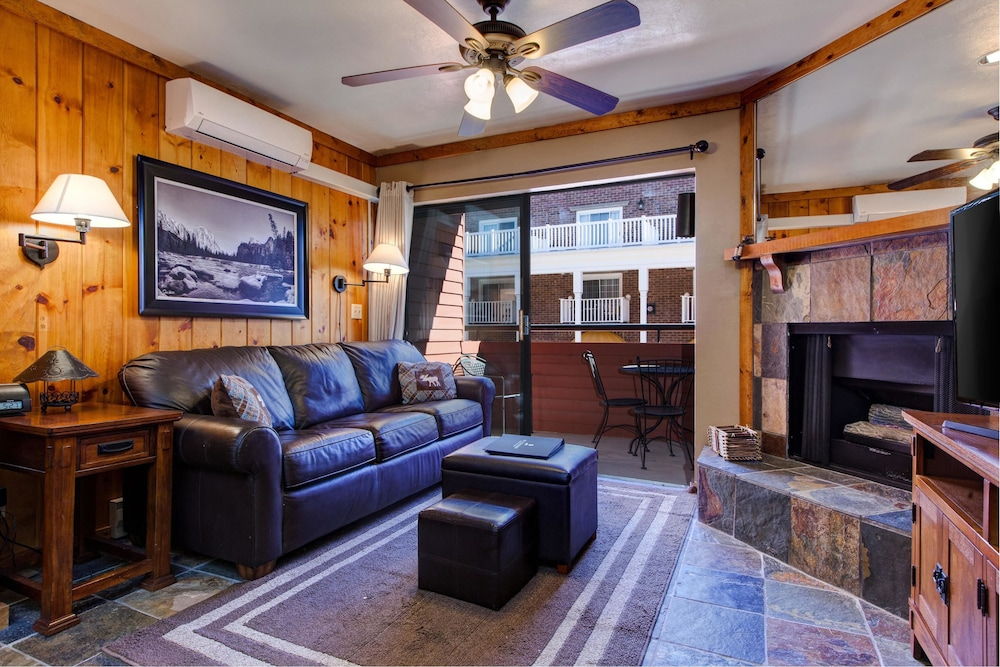 Living Area, The Lodge at Mountain Village