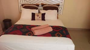 Iron/ironing board, free WiFi, linens, wheelchair access