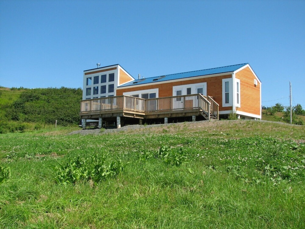 Exterior, Million Dollar View Cottages, Kahuna Cottage- Parrsboro, Nova Scotia