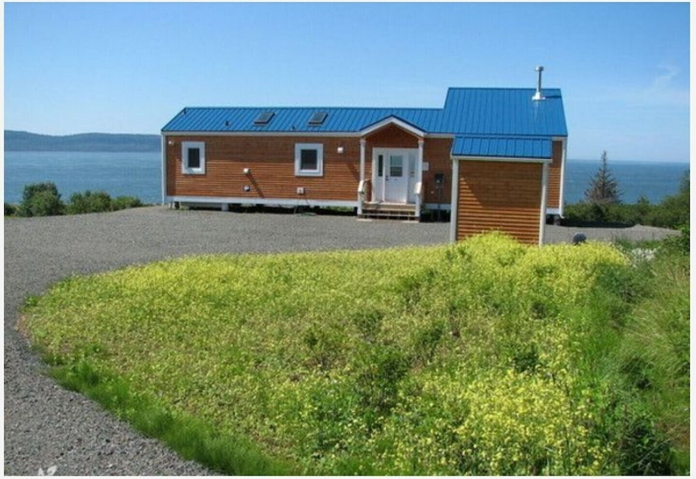 Featured Image, Million Dollar View Cottages, Kahuna Cottage- Parrsboro, Nova Scotia