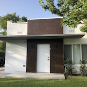 Modern new House in Miami Shores