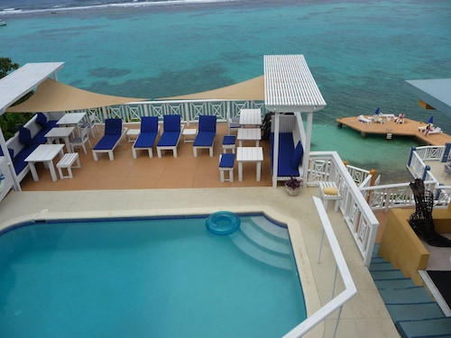 Fully Staffed Ocean View Bohemian Island Style Property. 20 min From Ocho Rios