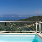 Villa NEW Heated Swimming Pool Exceptional Panorama 6 Persons