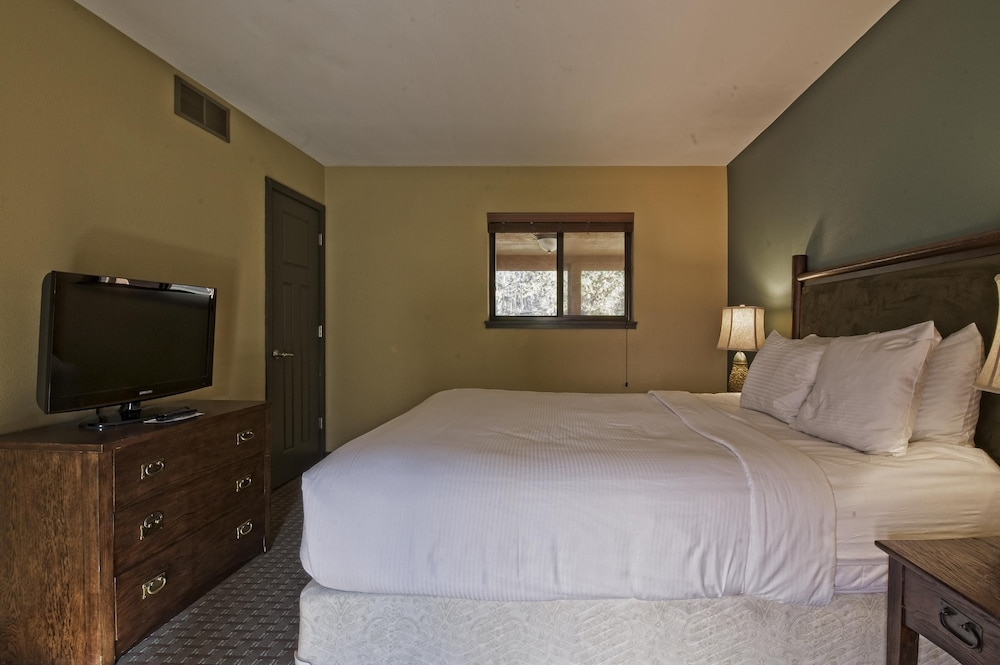 Room, Christmas Mountain Village, Wisconsin Dells, 2 Bedroom Villa
