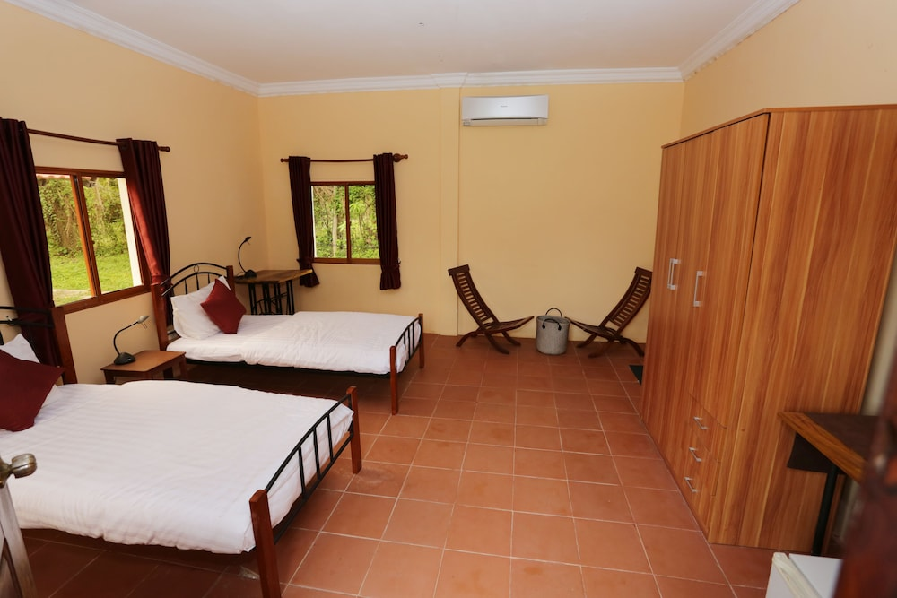 Green Orange Bungalows: 2019 Room Prices $16, Deals ...