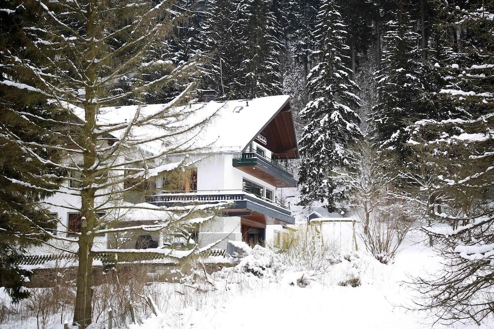 Hotel Pension Zum Paradies
