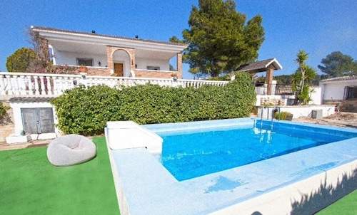 Villa With 5 Bedrooms in Tortosa, With Wonderful Mountain View, Private Pool, Enclosed Garden - 20 km From the Beach